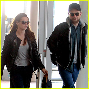Kristen Stewart & Robert Pattinson Spotted Together in NYC
