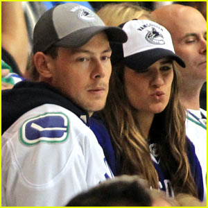 Lea Michele & Cory Monteith Cheer On the Canucks!