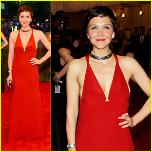Maggie Gyllenhaal - Met Ball 2013 Red Carpet