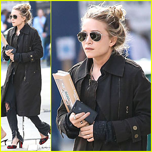 Mary-Kate Olsen: Book Carrying After Meeting!
