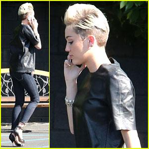 Miley Cyrus: My Mom Always Tells Me 'You Look Beautiful'