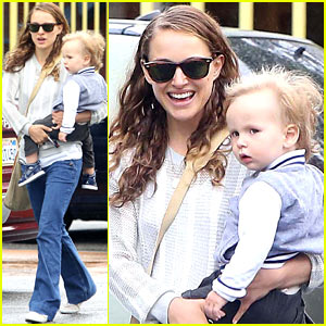 Natalie Portman & Aleph: Day at the Community Center!