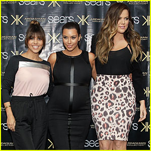Pregnant Kim Kardashian: Sears Appearance with Sisters!
