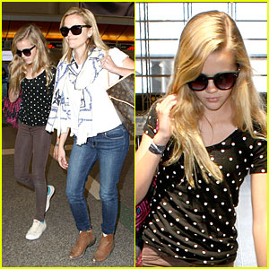 Reese Witherspoon: Paris Trip with Ava!