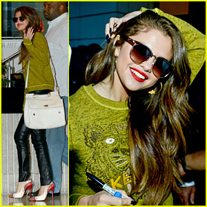 Selena Gomez: NRJ Google Hangout Session - Watch Now!