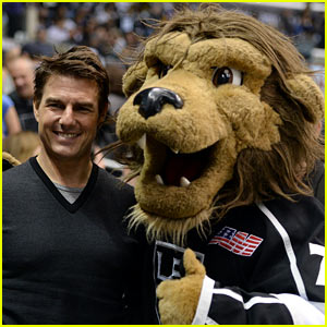 Tom Cruise Cheers for the L.A. Kings!