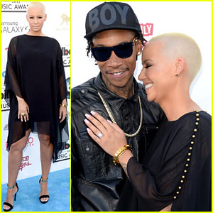 Wiz Khalifa & Amber Rose - Billboard Music Awards 2013 Red Carpet
