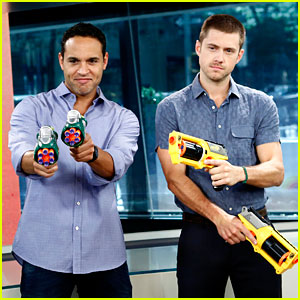 Aaron Tveit & Daniel Sunjata: Nerf Gun War on 'Today Show'!