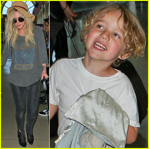 Ashlee Simpson, Bronx, & Pups Fly Out of LAX Airport