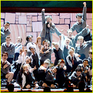 Broadway's 'Matilda' - Tonys Performance 2013 (Video)