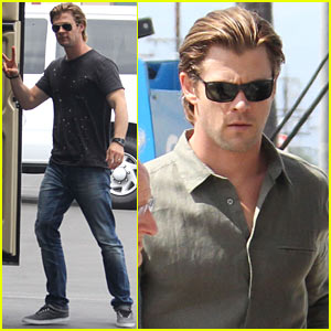 Chris Hemsworth: Peace on 'Cyber' Set!