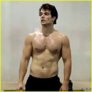 Henry Cavill: Shirtless 'Man of Steel' Workout Video!