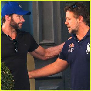 Hugh Jackman & Russell Crowe Reunite for Coffee Meeting!