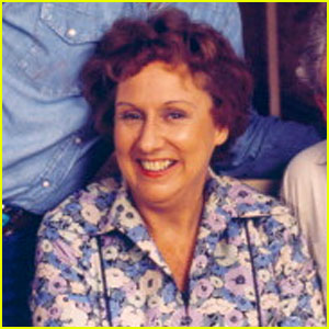 'All in the Family' Star Jean Stapleton: Dead at 90