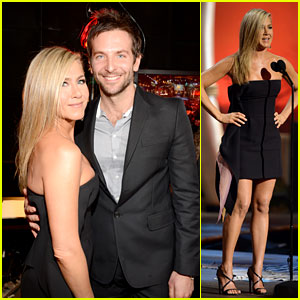 Jennifer Aniston & Bradley Cooper Reunite at Guys Choice Awards 2013!