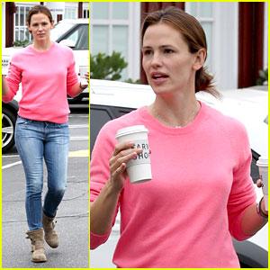 Jennifer Garner: Farm Shop Coffee Stop!