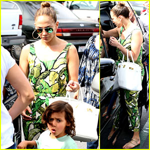 Jennifer Lopez: Receiving Walk of Fame Star Was Surreal!