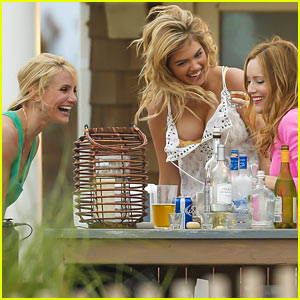 Kate Upton & Cameron Diaz: Beach Party for 'Other Woman'!