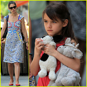 Katie Holmes: Sunday Play Date with Suri