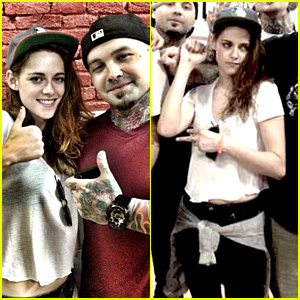 Kristen Stewart Gets a Tattoo in Nashville