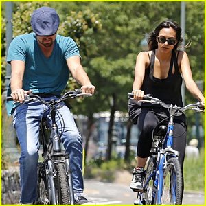 Leonardo DiCaprio: New York City Bike Ride with Emily Mace!