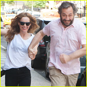 Leslie Mann & Judd Apatow Get Silly in New York City!