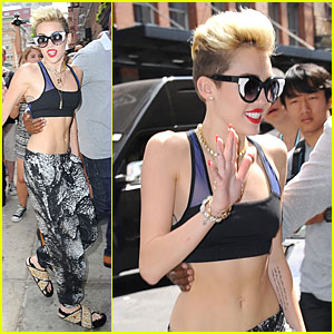 Miley Cyrus: Abs Flashing Sports Bra!