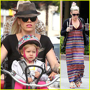 Pink & Carey Hart: Bike Riding with Willow!