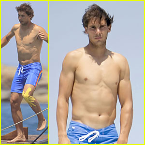 Rafael Nadal: Shirtless Ibiza Vacation with Maria Francisca Perello!