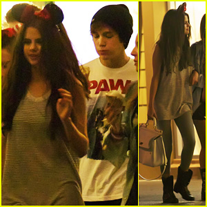 Selena Gomez: Disneyland with Austin Mahone!
