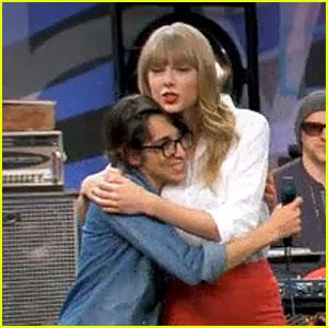 Taylor Swift Surprises The Voice's Michelle Chamuel! (Video)