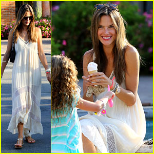 Alessandra Ambrosio: Ice Cream Treat for Anja & Friends!