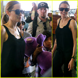 Angelina Jolie: Hawaii Landing with Maddox & Pax!