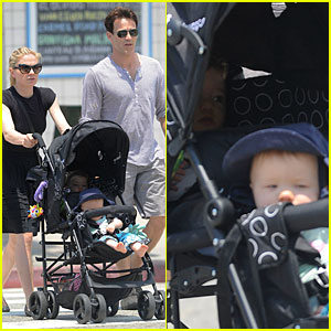 Anna Paquin & Stephen Moyer: Venice Stroll with the Twins!