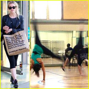 Ashlee Simpson Cartwheels with Samantha Barks for 'Chicago'!