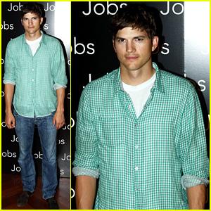 Ashton Kutcher: 'Jobs' Paris Photo Call!