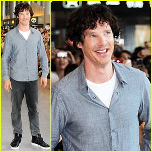 Benedict Cumberbatch Arrives in Japan After Wrapping 'Hobbit'