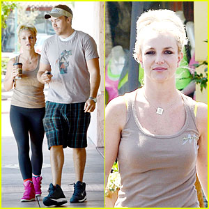 Britney Spears & David Lucado Prep For Weekend By Shopping!