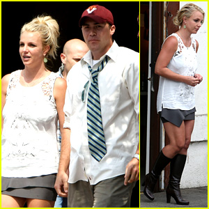 Britney Spears Lunches with David Lucado, Goes Shopping