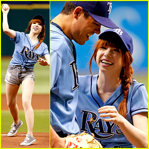 Carly Rae Jepsen Throws Unsuccessful First Pitch (Video)