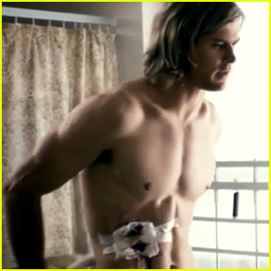 Chris Hemsworth: Shirtless in New 'Rush' Trailer!
