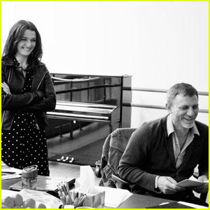 Daniel Craig nuevamente en Broadway Daniel-craig-rachel-weisz-betrayal-rehearsal-with-rafe-spall