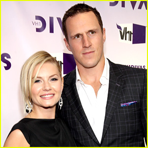 how long have elisha cuthbert and dion phaneuf been dating