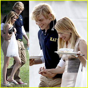 Emma Roberts & Evan Peters Hold Hands, Laugh After Fight