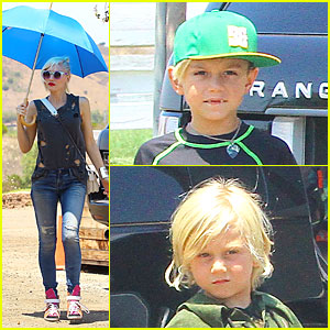 Gwen Stefani: Sun Blocking Umbrella at Underwood Family Farms!