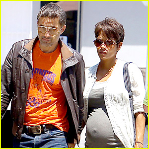 Halle Berry Shows Off Growing Baby Bump with Olivier Martinez