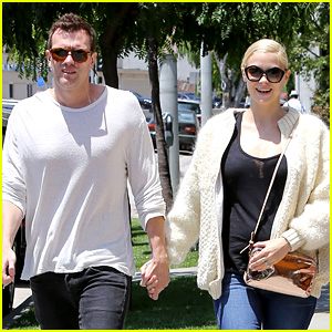 Jaime King & Kyle Newman: Bel Bambini Baby Shoppers!