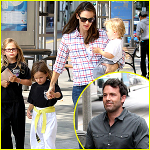 Jennifer Garner is Back with the Kids After Big Apple Trip