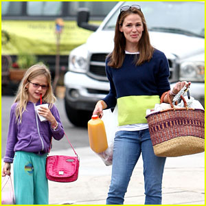 Jennifer Garner: Mother-Daughter Morning with Violet