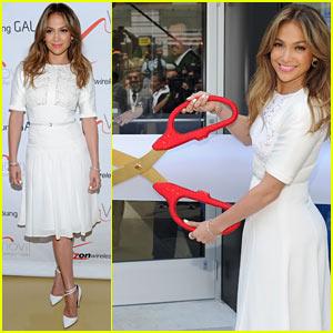 Jennifer Lopez: Viva Movil Flagship Store Opening!